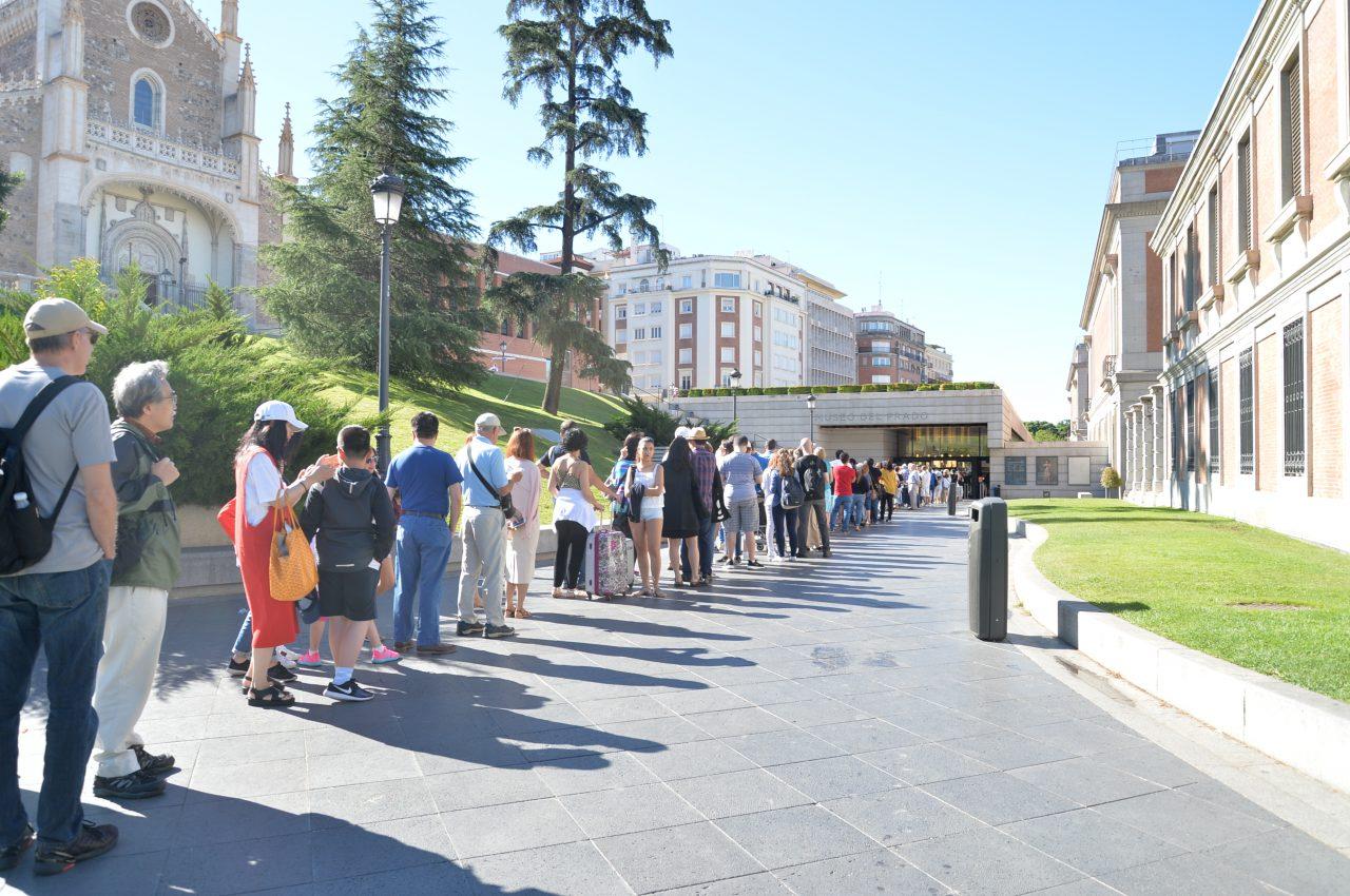 プラド美術館の入り口